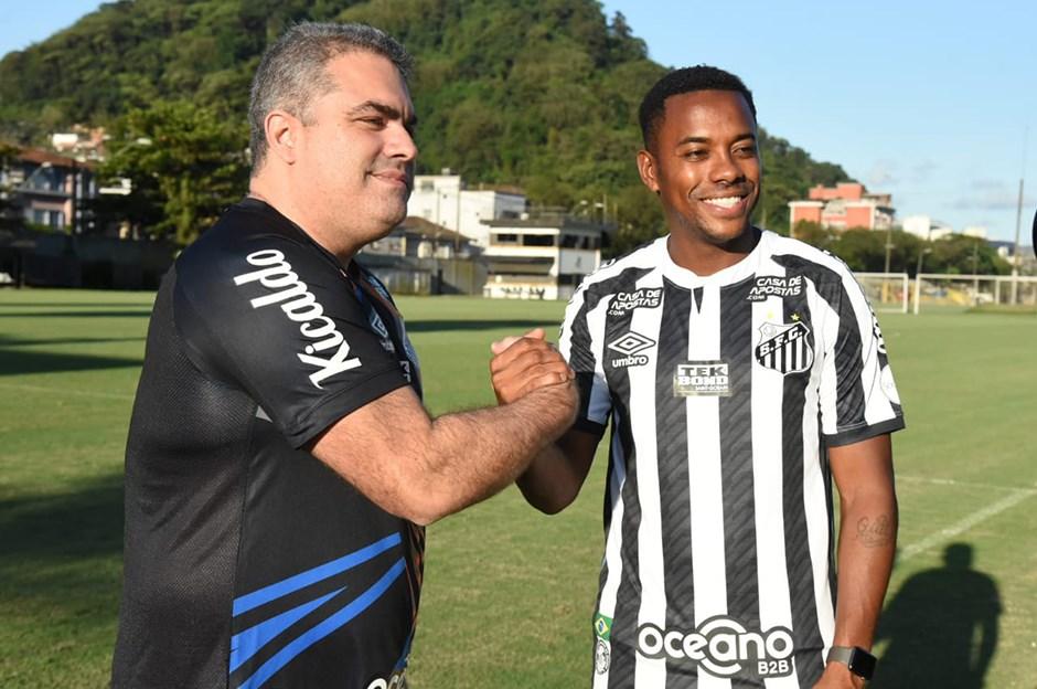 Santos, Robinho'nun sözleşmesini askıya aldı