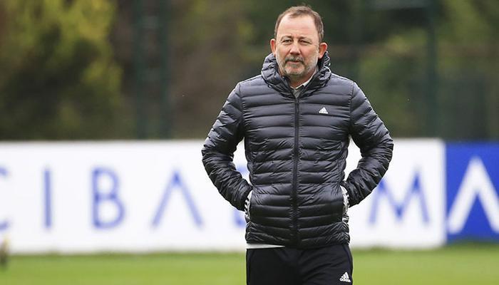 Beşiktaş'ta savunmayı koronavirüs vurdu!