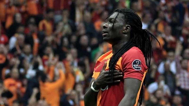 Gomis Trabzonspor haberlerine güldü geçti