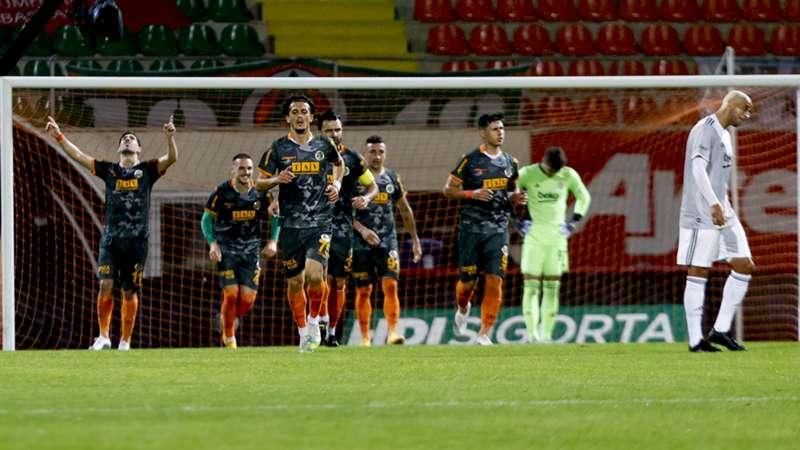Alanyaspor, Beşiktaş'ın serisine son verdi: 2-1