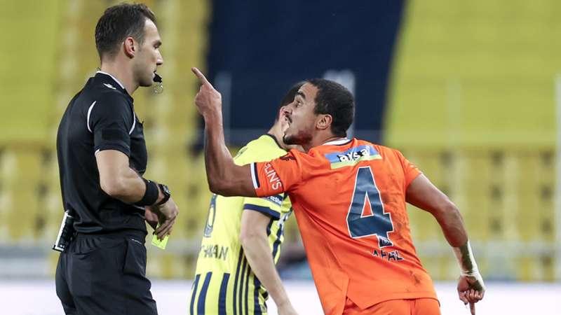 Başakşehir'in itiraz kabul edildi, Rafael'in cezası kaldırıldı