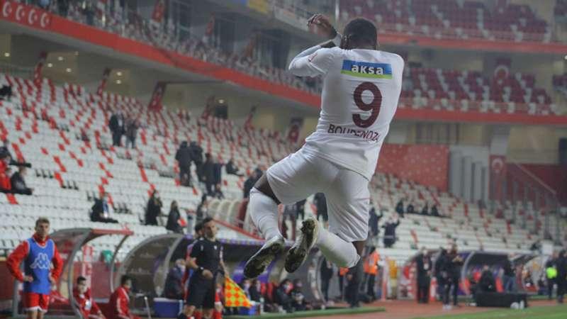 Süper Lig'de 2020-2021 sezonu gol krallığı ve asist krallığı yarışı