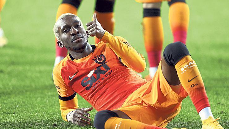Onyekuru Galatasaray'a 2 golle döndü.