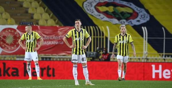 Fenerbahçe 1-2 Başakşehir: Fenerbahçe, Türkiye Kupası'na veda etti