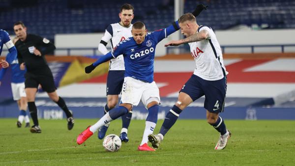 Everton 5-4 Tottenham: Düellonun kazananı Everton