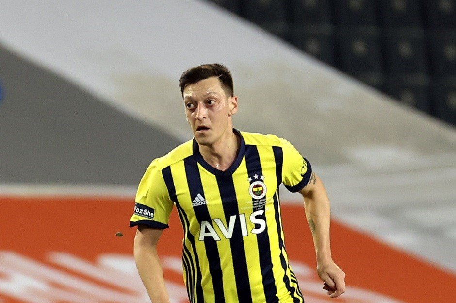 Fenerbahçe'de Mesut Özil 11'e hazır