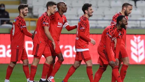 Beşiktaş Konyaspor'u penaltılar sonunda eledi, Başakşehir'in rakibi oldu