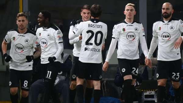 Spezia 2-0 Milan   Inter için liderlik fırsatı doğdu