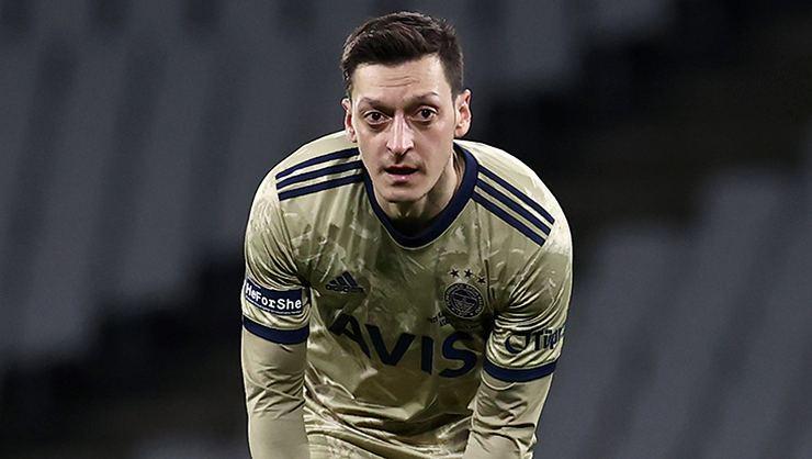 Son dakika! Fenerbahçe'de yeni lider Mesut Özil.