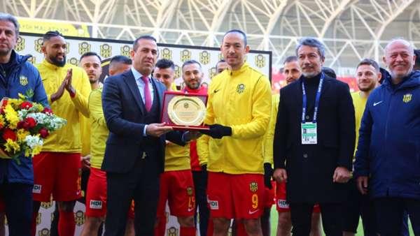 Umut Bulut, Süper Lig tarihinin en fazla forma giyen futbolcusu