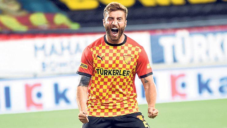 Galatasaray Alpaslan Öztürk ile anlaşma sağladı!