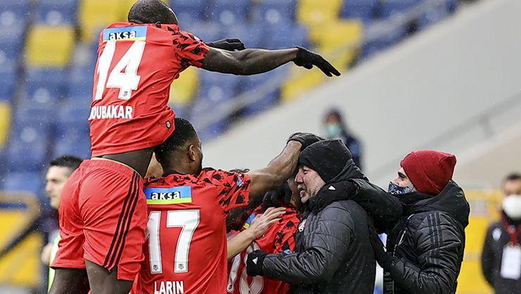 Beşiktaş Sergen Yalçın'la şampiyonluğa yürüyor