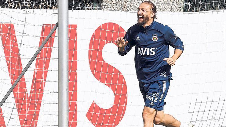 Fenerbahçe'de Caner Erkin affediliyor