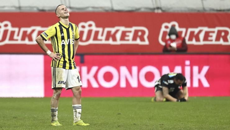 Fenerbahçe'ye şok üstüne şok! Nazım ve İrfan Can'ın ardından Pelkas