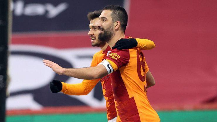 Galatasaray iç transferde düğmeye bastı!