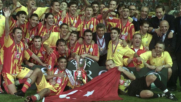 Galatasaray'ın efsane futbolcusu Popescu ile ilgili casusluk skandalı
