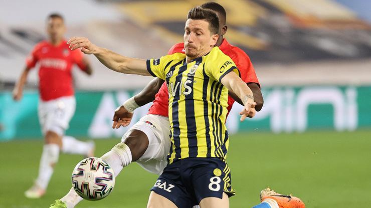 Fenerbahçe'de Mert Hakan havaya girdi