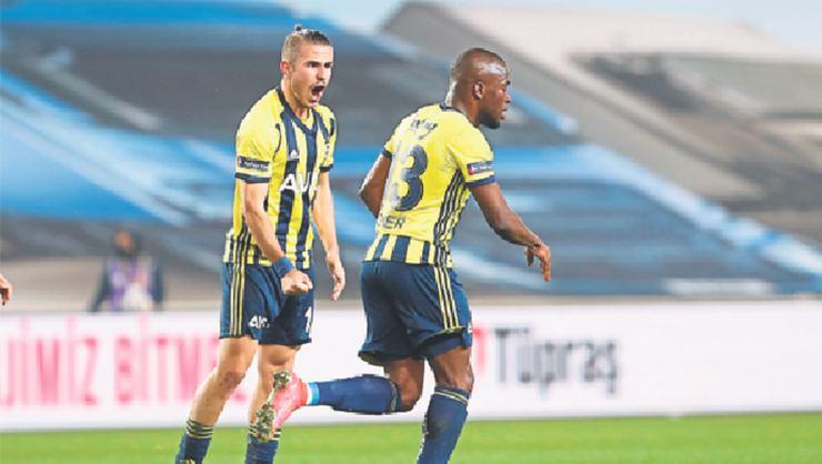 Emre Belözoğlu Pelkas ve Valencia ile görüştü