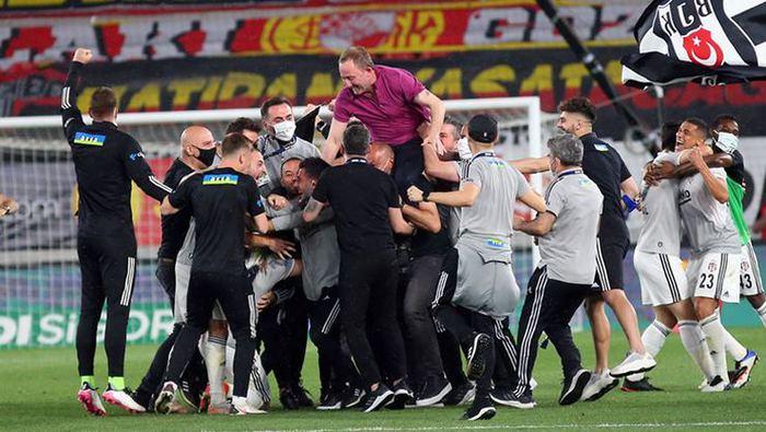 Beşiktaş transferde büyük oynuyor! Golcü avı...