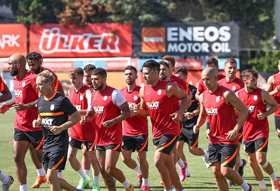 Galatasaray'da PSV maçı kamp kadrosu açıklandı