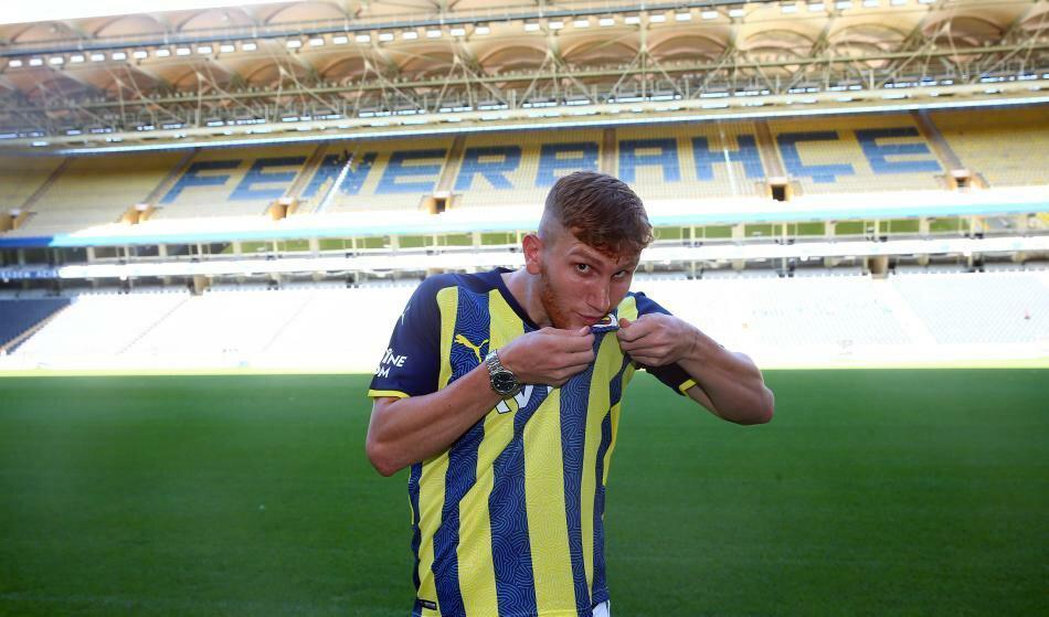 Fenerbahçe'den geleceğe yatırım: Burak Kapacak
