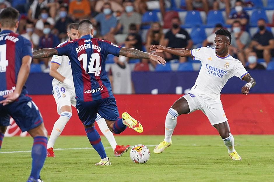 Levante: 3 - Real Madrid: 3