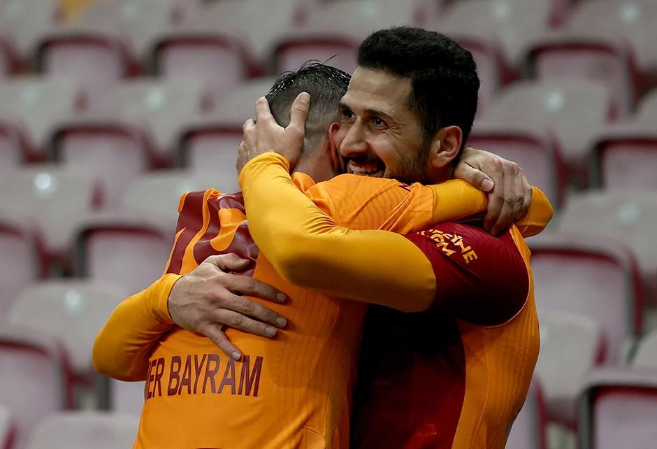 Galatasaray'ın UEFA listesinde 4 isim yer almadı
