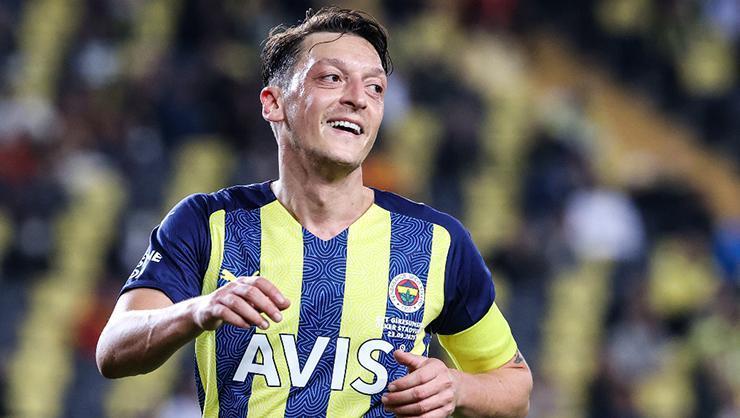 Fenerbahçe'de Mesut Özil için karar zamanı!